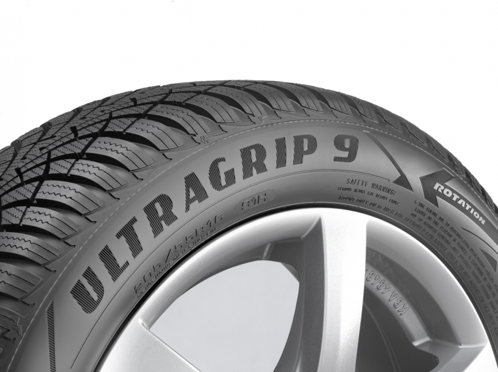 goodyear ultragrip 9 pneu revue 3 14 aktu ln slo. Black Bedroom Furniture Sets. Home Design Ideas