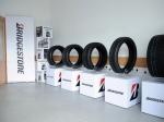 Bridgestone předvedl v Mostě rozdíly ve výkonech pneumatik